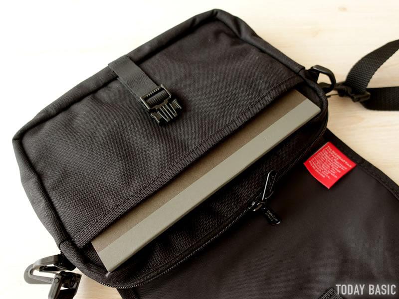 マンハッタンポーテージのファーロッカウェイバッグにA5サイズのノートを収納