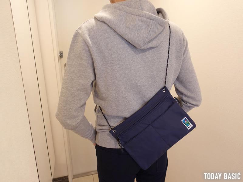 MEIのサコッシュバッグのコーディネート画像