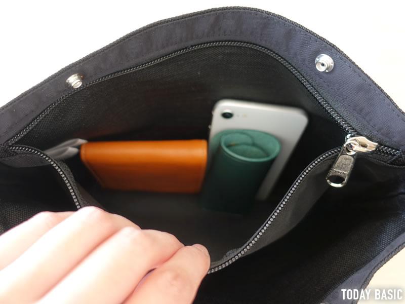 ザノースフェイスパープルレーベルのスモールショルダーバッグの内側ポケット画像