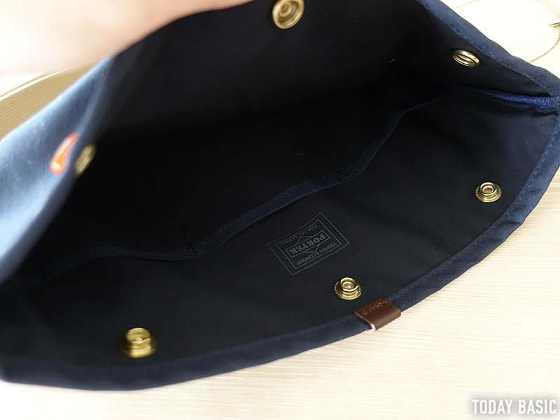 ポーターのサコッシュ・コッピのメインポケット画像