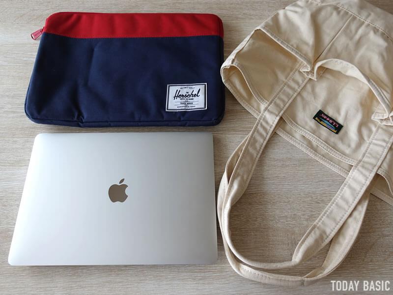 LLビーンのカタディン・キャンピング・トートバッグにノートパソコンを収納
