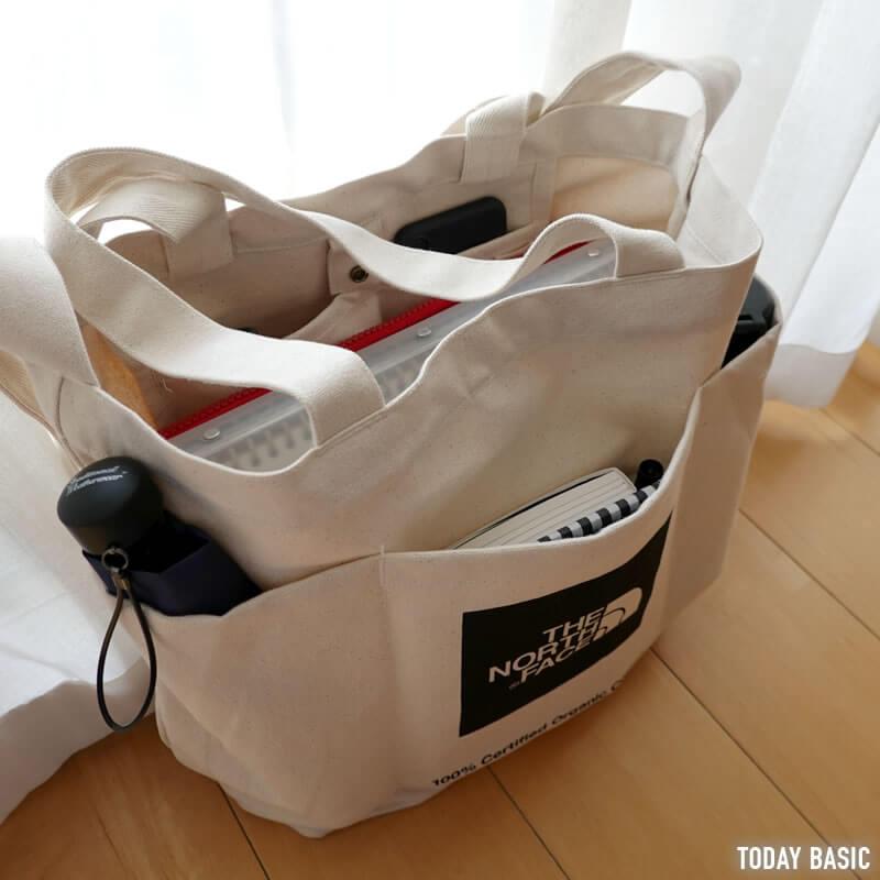 ノースフェイスのユーティリティートートバッグの収納例