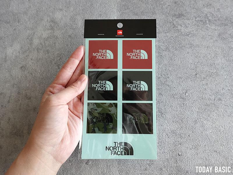 ザノースフェイスのおしゃれなステッカーを集めた画像