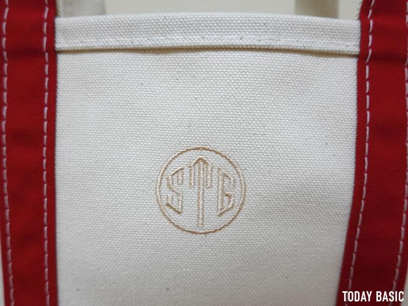 LLビーンのボートアンドトートバッグのスモールサイズにイニシャル刺繍を入れた画像
